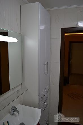 Original apartment, Two Bedroom (78660), 010