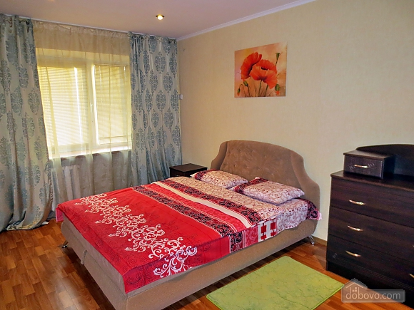 Comfortable apartment with views of the Teatralnaya Square, Una Camera (93862), 001