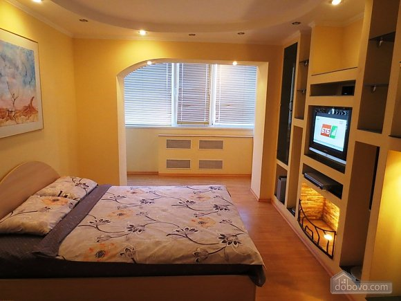 Новая квартира с романтическим интерьером, 1-комнатная (79342), 003