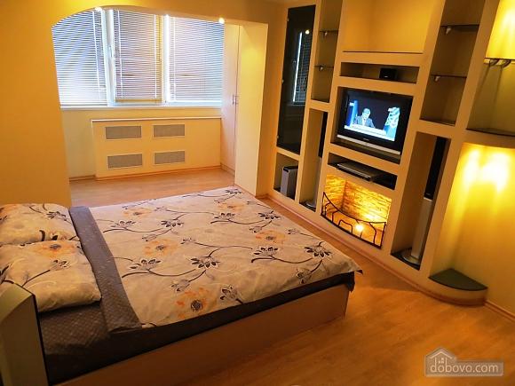 Новая квартира с романтическим интерьером, 1-комнатная (79342), 004