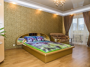 Luxury apartment in the center in gold tones, Studio, 001