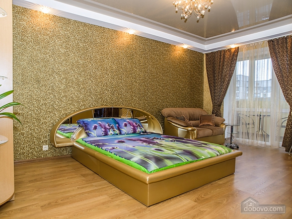 Luxury apartment in the center in gold tones, Studio (39166), 001