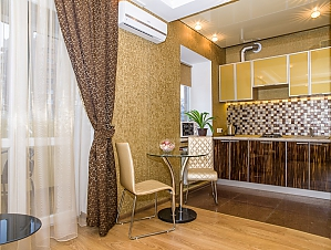 Luxury apartment in the center in gold tones, Monolocale, 002