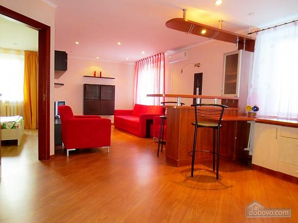Стильна квартира в центрі, 2-кімнатна (77700), 003