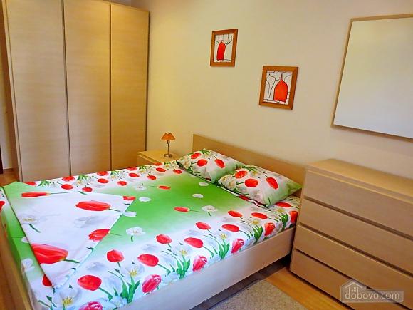 Стильна квартира в центрі, 2-кімнатна (77700), 005