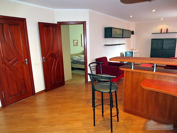 Стильна квартира в центрі, 2-кімнатна (77700), 007