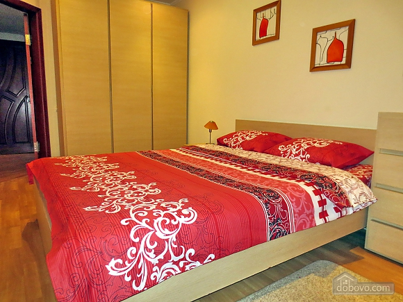 Стильна квартира в центрі, 2-кімнатна (77700), 006