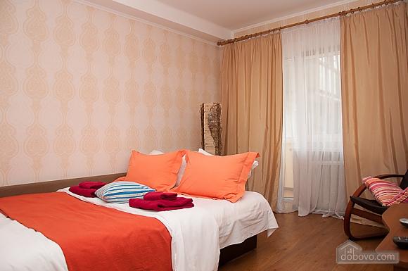 Затишна квартира біля метро Дворець України, 1-кімнатна (69257), 001