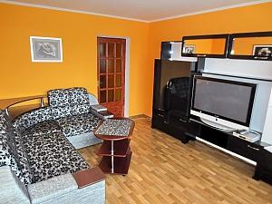 Апартаменты возле ТРЦ Любава, 2х-комнатная, 001