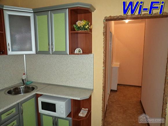 Апартаменты в Запорожье, 2х-комнатная (99966), 003