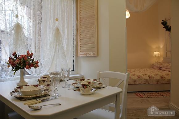 Романтична квартира біля Оперного театру з кондиціонером, 1-кімнатна (74190), 002
