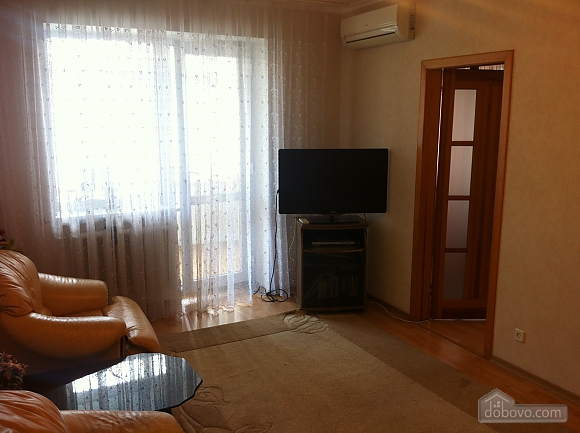 Apartment near the sea, Un chambre (63107), 003