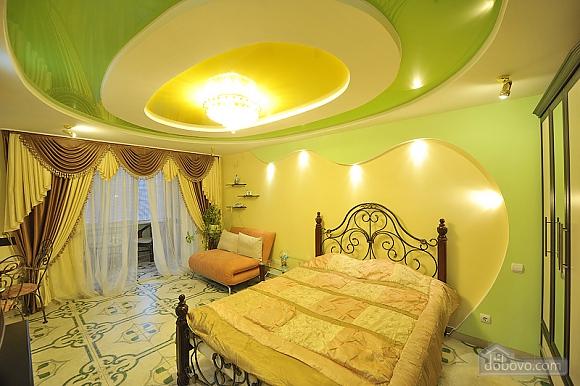 Уютный люкс на Кловской, 1-комнатная (90633), 001