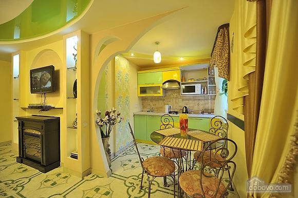 Уютный люкс на Кловской, 1-комнатная (90633), 002
