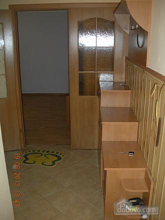 Квартира після євроремонту біля термального басейну, 1-кімнатна (81078), 004