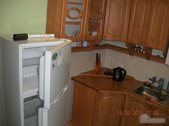 Квартира після євроремонту біля термального басейну, 1-кімнатна (81078), 005