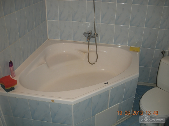 Квартира після євроремонту біля термального басейну, 1-кімнатна (81078), 009