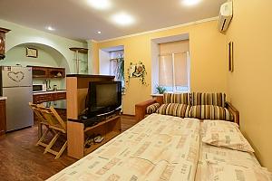 Studio apartment on Mala Zhytomyrska (556), Studio, 001
