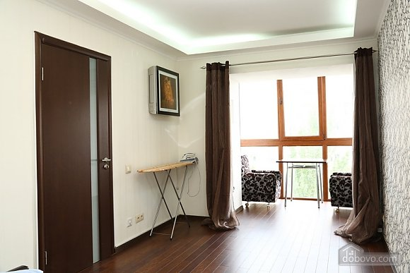 Квартира класса люкс в центральном районе, 2х-комнатная (20434), 004