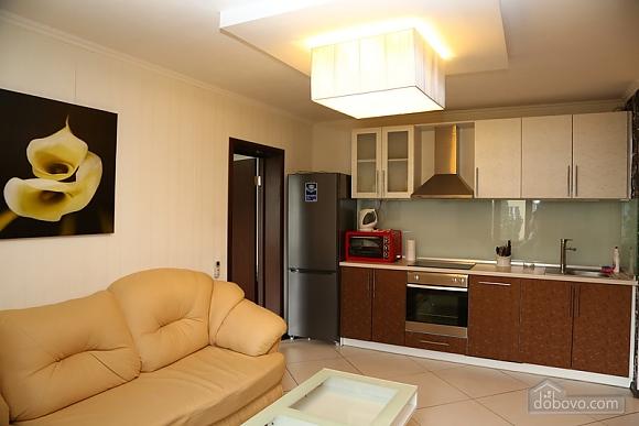 Квартира класса люкс в центральном районе, 2х-комнатная (20434), 006