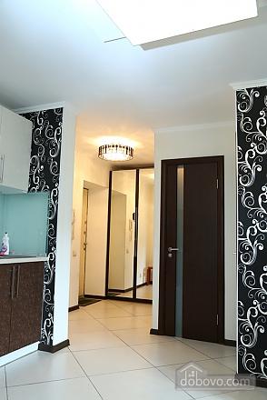 Квартира класса люкс в центральном районе, 2х-комнатная (20434), 012