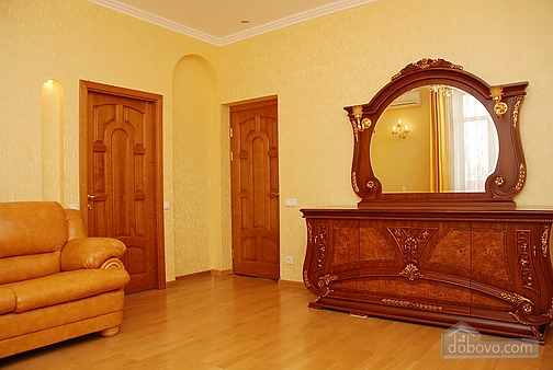 Excellent apartment with good renovation, Two Bedroom (88260), 004
