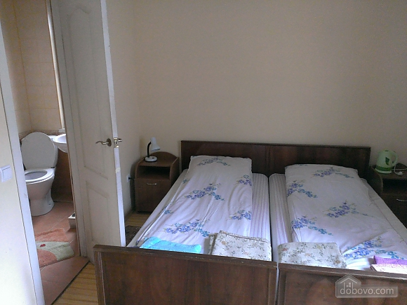 Room in a private house with separate entrance, Studio (90586), 002