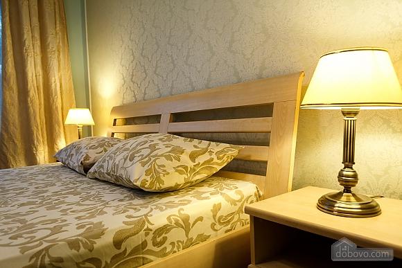 Квартира поруч із центром та Оперним театром, 2-кімнатна (90937), 027