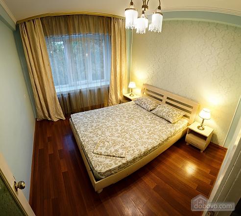 Квартира поруч із центром та Оперним театром, 2-кімнатна (90937), 028
