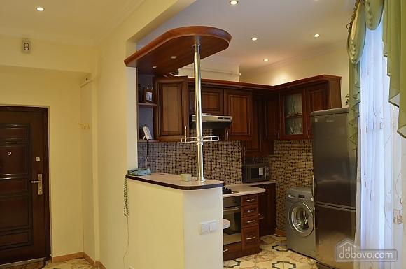 Уютная квартира в самом центре, 1-комнатная (38985), 002