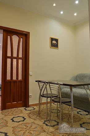 Уютная квартира в самом центре, 1-комнатная (38985), 003