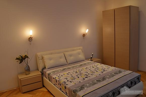 Уютная квартира в самом центре, 1-комнатная (38985), 001