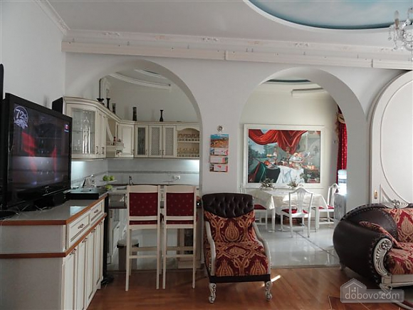 VIP apartment with a terrace on Mayakovskoho, Tre Camere (85288), 001