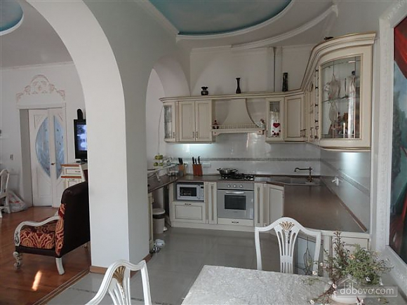 VIP apartment with a terrace on Mayakovskoho, Tre Camere (85288), 004