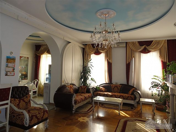 VIP apartment with a terrace on Mayakovskoho, Tre Camere (85288), 005