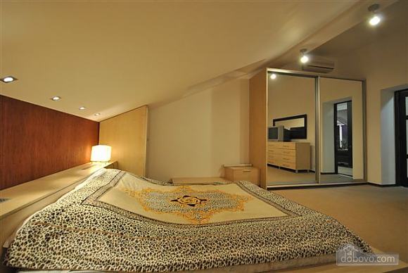 VIP Penthouse in the center of Odessa, Trois chambres (15544), 009