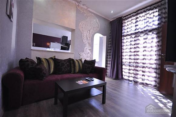 Яркая стильная квартира на 4 человека возле Горсада, 2х-комнатная (21267), 001