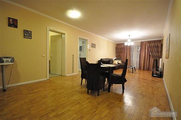 Квартира біля Дерибасівської, 3-кімнатна (53970), 003