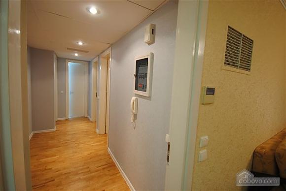 Квартира біля Дерибасівської, 3-кімнатна (53970), 015