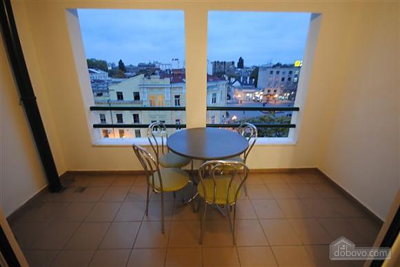 Квартира біля Дерибасівської, 3-кімнатна (53970), 019