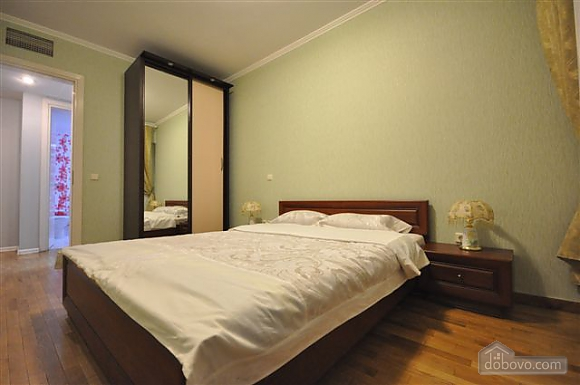 Квартира біля Дерибасівської, 3-кімнатна (53970), 023