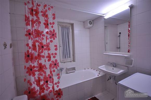 Квартира біля Дерибасівської, 3-кімнатна (53970), 024