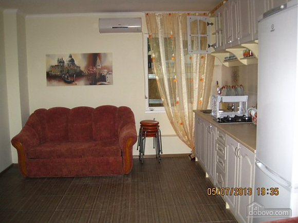 Квартира на 16 станции Большого Фонтана, 3х-комнатная (57871), 002