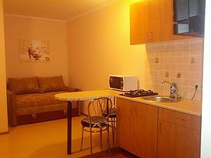 Невелика квартира біля моря, 1-кімнатна, 003
