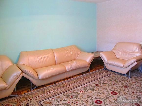Квартира на Червоноармійській, 3-кімнатна (76193), 001