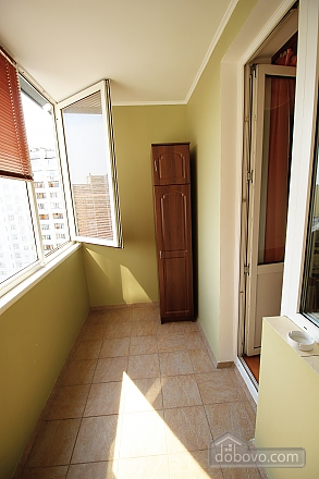 Comfortable apartment in a new building near the metro Pozniaky, Monolocale (31752), 010