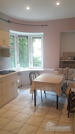 Апартаменты в сердце Киева, 2х-комнатная (33170), 006