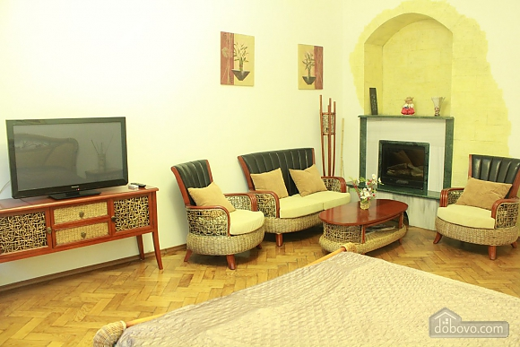 Apartment in the center of Odessa, Deux chambres (24348), 007