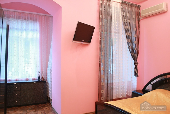 Apartment in the center of Odessa, Deux chambres (24348), 021