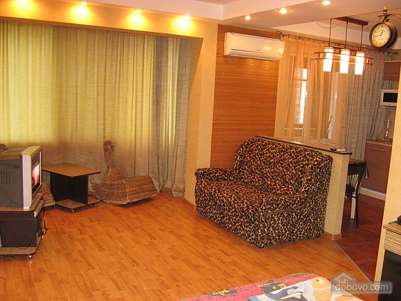 Apartment near Obolon metro station, Studio (19525), 002